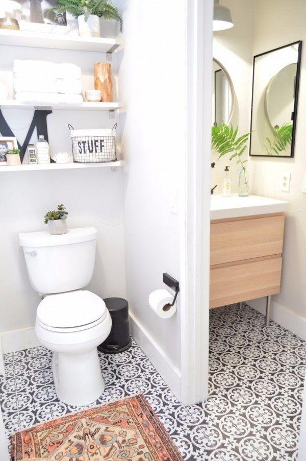 id e d coration salle de bain relooking d 39 une salle de bain avec du carrelage adh sif. Black Bedroom Furniture Sets. Home Design Ideas