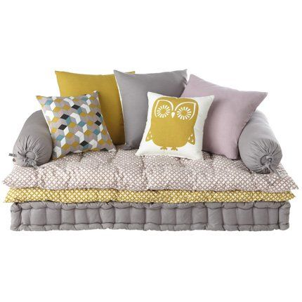 relooking et d coration 2017 2018 une banquette compos e d 39 un matelas capitonn de deux sur. Black Bedroom Furniture Sets. Home Design Ideas