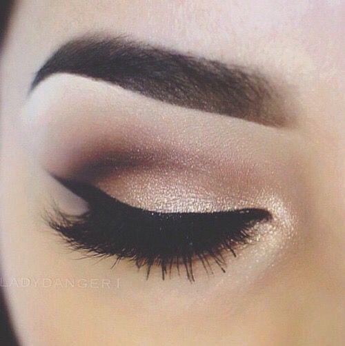 tendance maquillage yeux 2017 2018 makeup beaut fashion leading. Black Bedroom Furniture Sets. Home Design Ideas