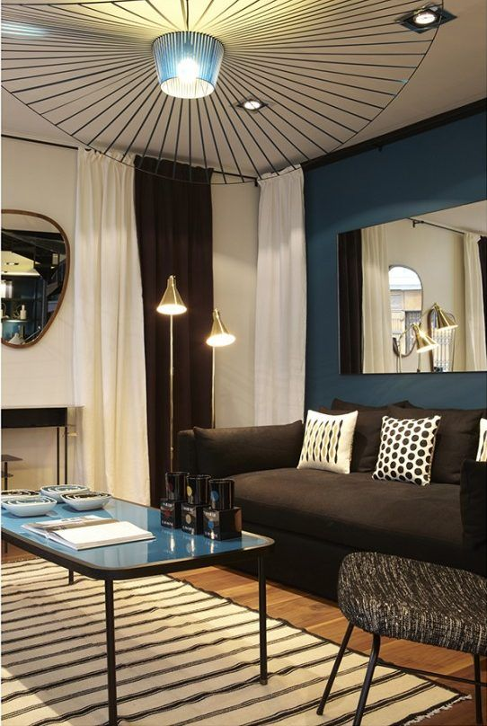 d co salon froid de canard d co bleu canard accro la lampe suspension en forme de chap. Black Bedroom Furniture Sets. Home Design Ideas
