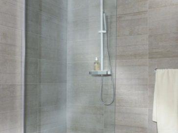 id e d coration salle de bain vous aimez le c t naturel et chaleureux du bois les. Black Bedroom Furniture Sets. Home Design Ideas