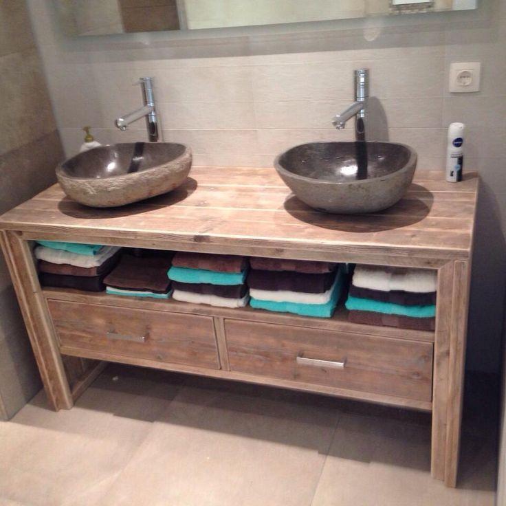 Id e d coration salle de bain meuble salle de bain pays for Deco de salle de bain en bois