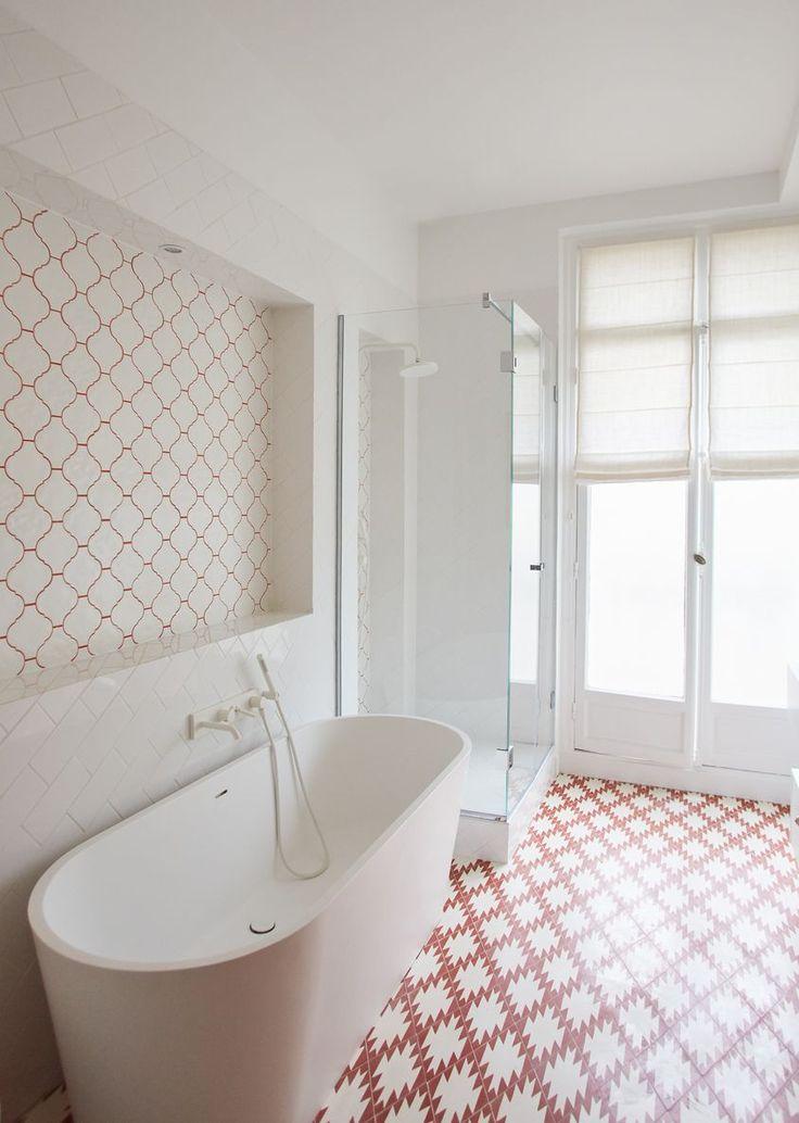 id e d coration salle de bain salle de bain appartement parisien de 320m2 gcg architectes. Black Bedroom Furniture Sets. Home Design Ideas