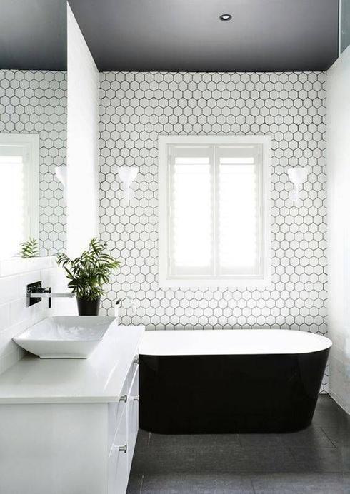 Idée décoration Salle de bain - Salle de bain minimaliste ...