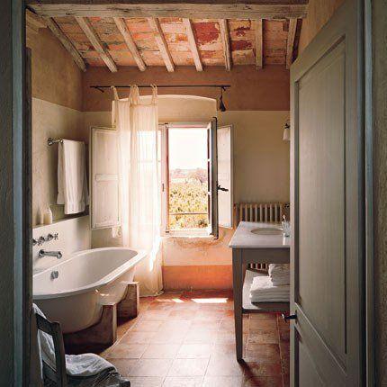 Idée décoration Salle de bain - Une salle de bain à l\'ancienne entre ...