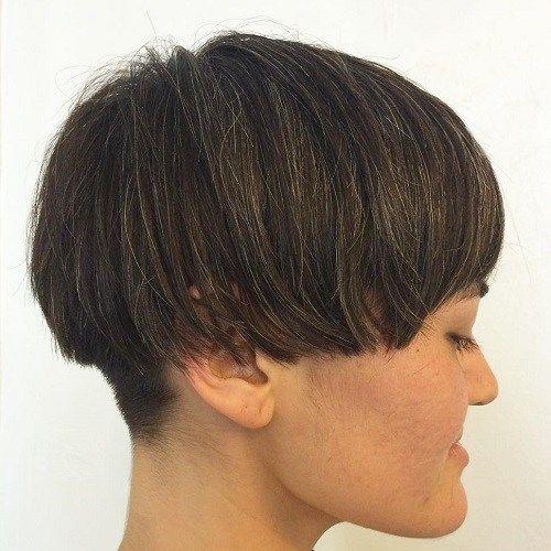 id es coupe cheveux pour femme 2017 2018 20 mani res de bercer un bol coupez les versions. Black Bedroom Furniture Sets. Home Design Ideas