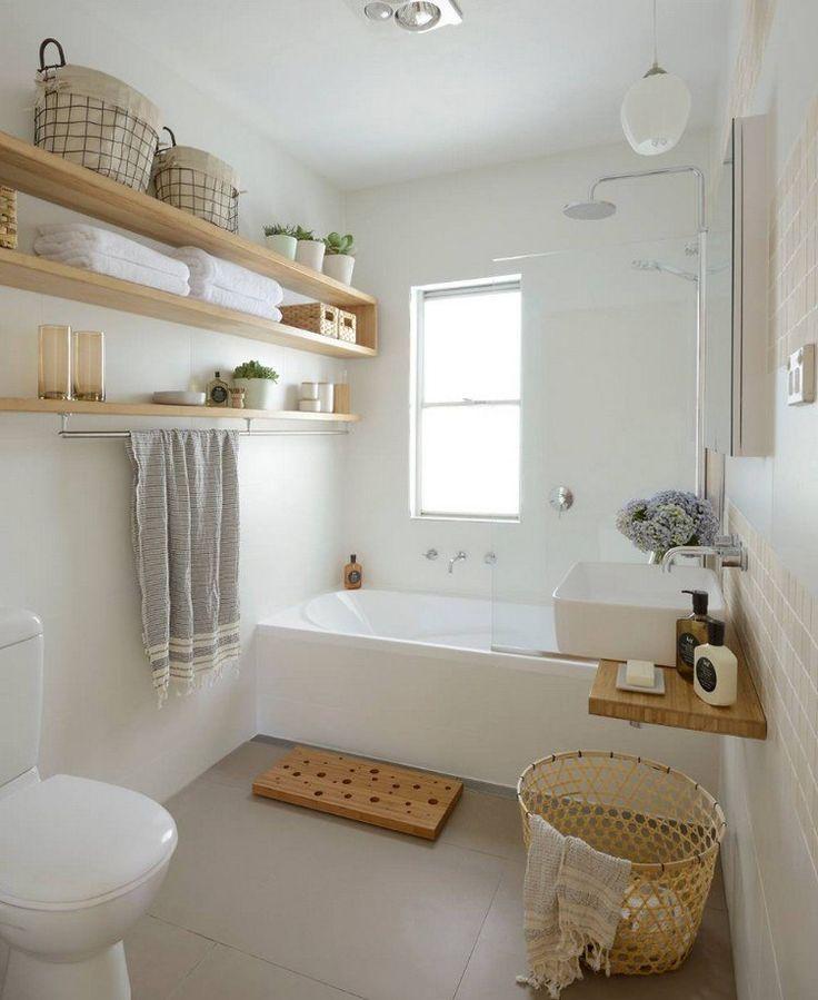 D coration maison en photos 2018 g ste toilette mit badewanne in hellen farben listspirit - Badezimmer farblich gestalten ...