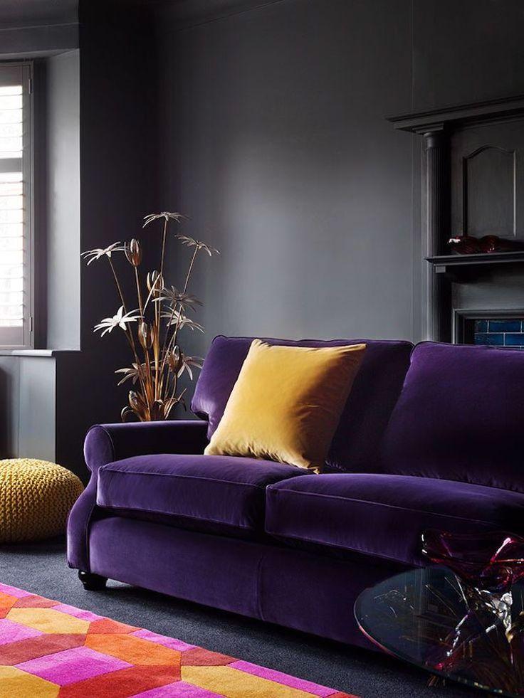 id e d coration maison en photos 2018 couleurs tendance 2018 canap velours pourpre et. Black Bedroom Furniture Sets. Home Design Ideas