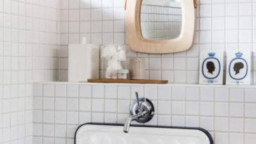 Id e d coration salle de bain salle de bain blanche avec for Miroir exotique