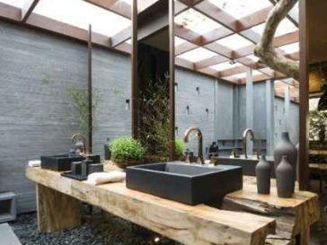 Id e d coration salle de bain du blanc et du bois pour for Revetement mural bois pour salle de bain