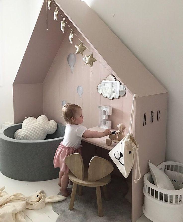 relooking et d coration 2017 2018 une belle fa on de zoner une chambre d 39 enfants tout en. Black Bedroom Furniture Sets. Home Design Ideas