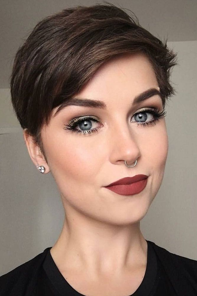 nouvelle tendance coiffures pour femme 2017 2018 id es de cheveux de coupe de pixie pour l. Black Bedroom Furniture Sets. Home Design Ideas