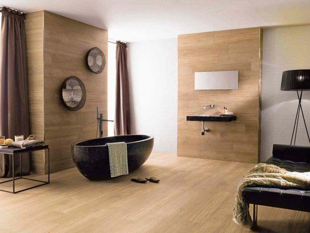 Id e d coration salle de bain un rev tement mural et de sol en gr s c rame effet bois clair - Idee revetement mural ...