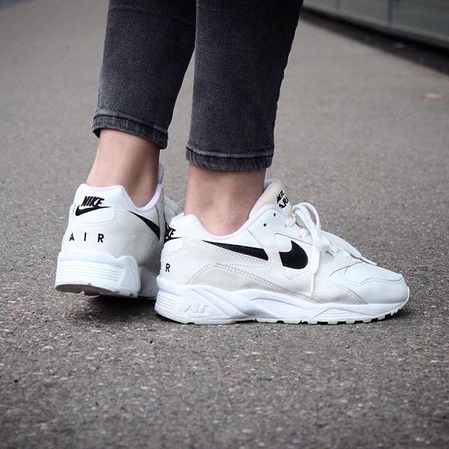 Chausseurs Nike Femme Tendance Air Sneakers Oz0w5qz Description 2017 mN8w0nv