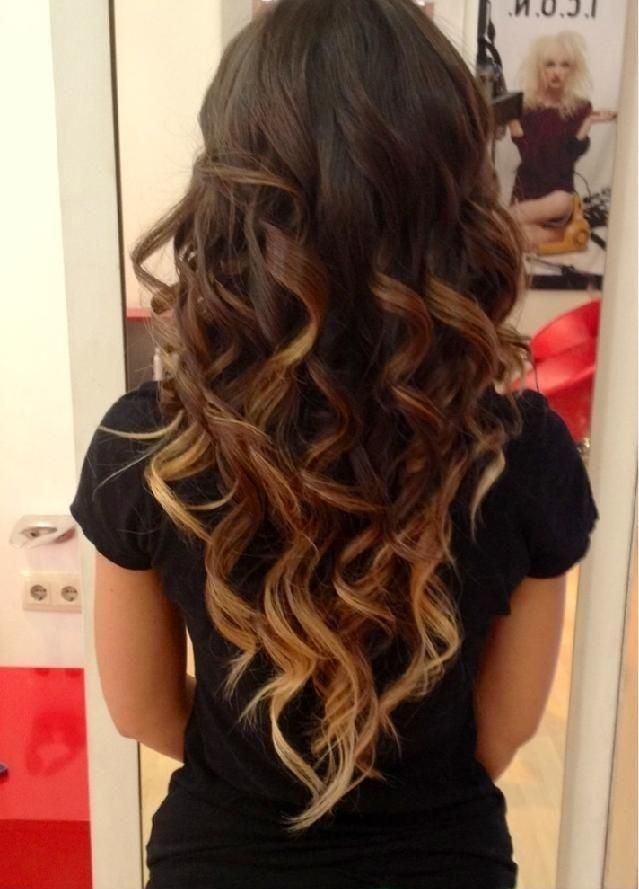 Idees Coiffures Pour Femme 2017 2018 Coiffure Bouclee Brune