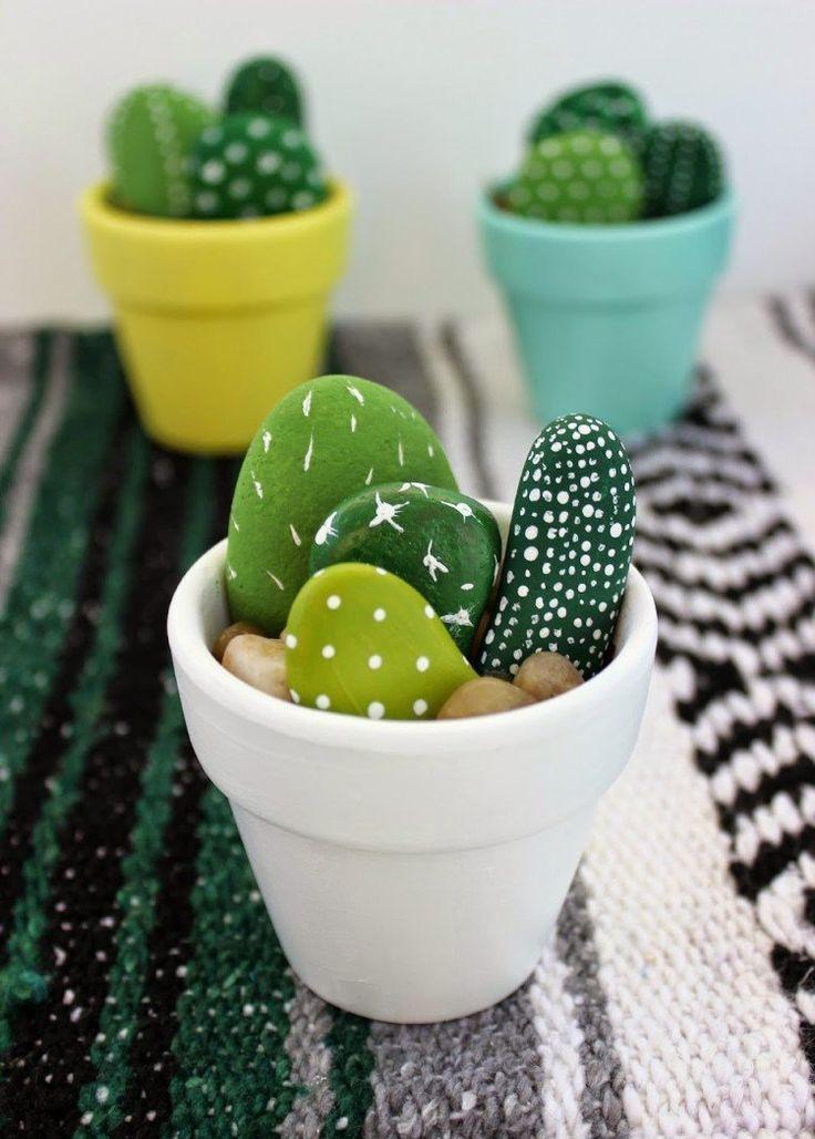 id e d coration maison en photos 2018 bricolage avec des galets pot d coratif cactus. Black Bedroom Furniture Sets. Home Design Ideas
