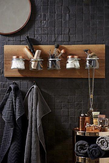 id e d coration salle de bain etag re de charme pour la salle de bains. Black Bedroom Furniture Sets. Home Design Ideas
