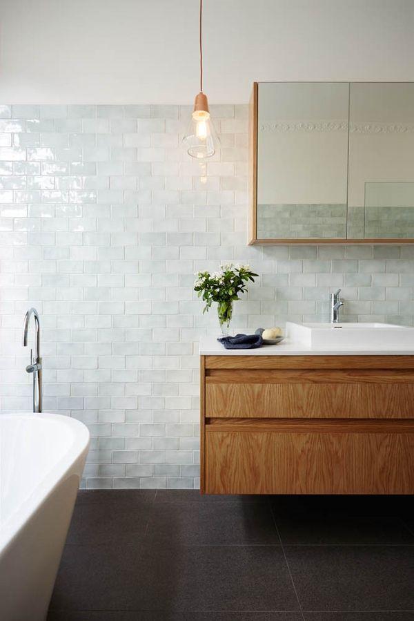 Idée décoration Salle de bain - Salle de bain zellige bois ...