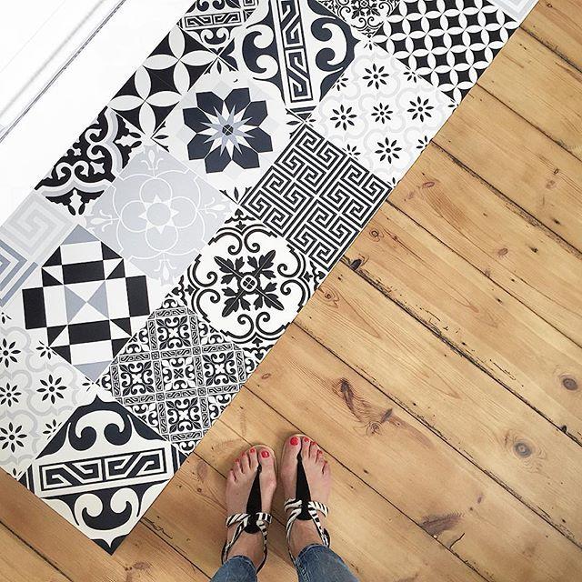 id e d coration salle de bain welcome le tapis vinyle. Black Bedroom Furniture Sets. Home Design Ideas