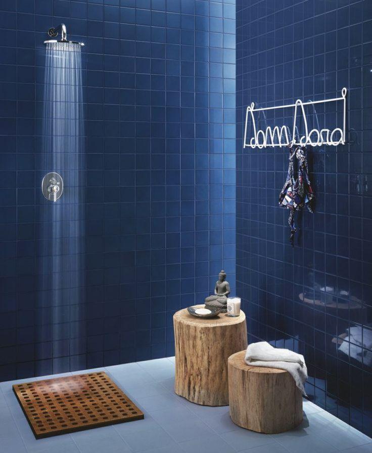 Idée décoration Salle de bain - carrelage salle de bain bleu marine ...