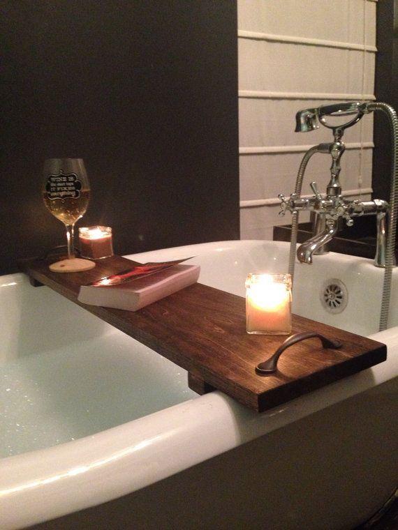id e d coration salle de bain caddy de rustique baignoire bain plateau bois par. Black Bedroom Furniture Sets. Home Design Ideas