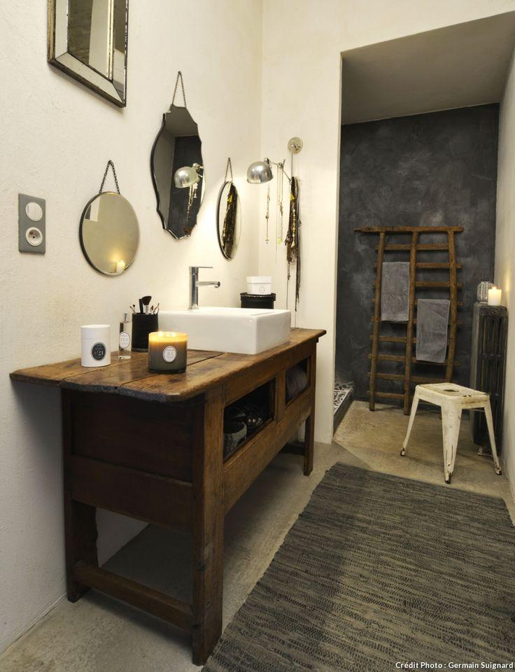 Idée décoration Salle de bain - meuble chiné pour vasque de ...