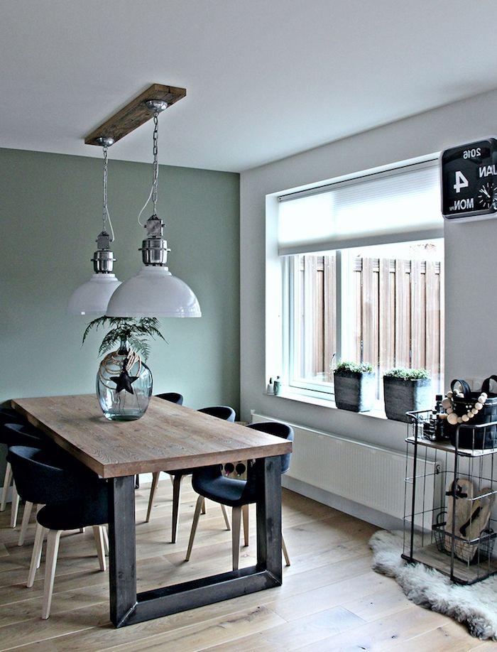 D co salon amenagement salle a manger vert celadon table en bois et metal noir chaises sc - Salon noir et bois ...