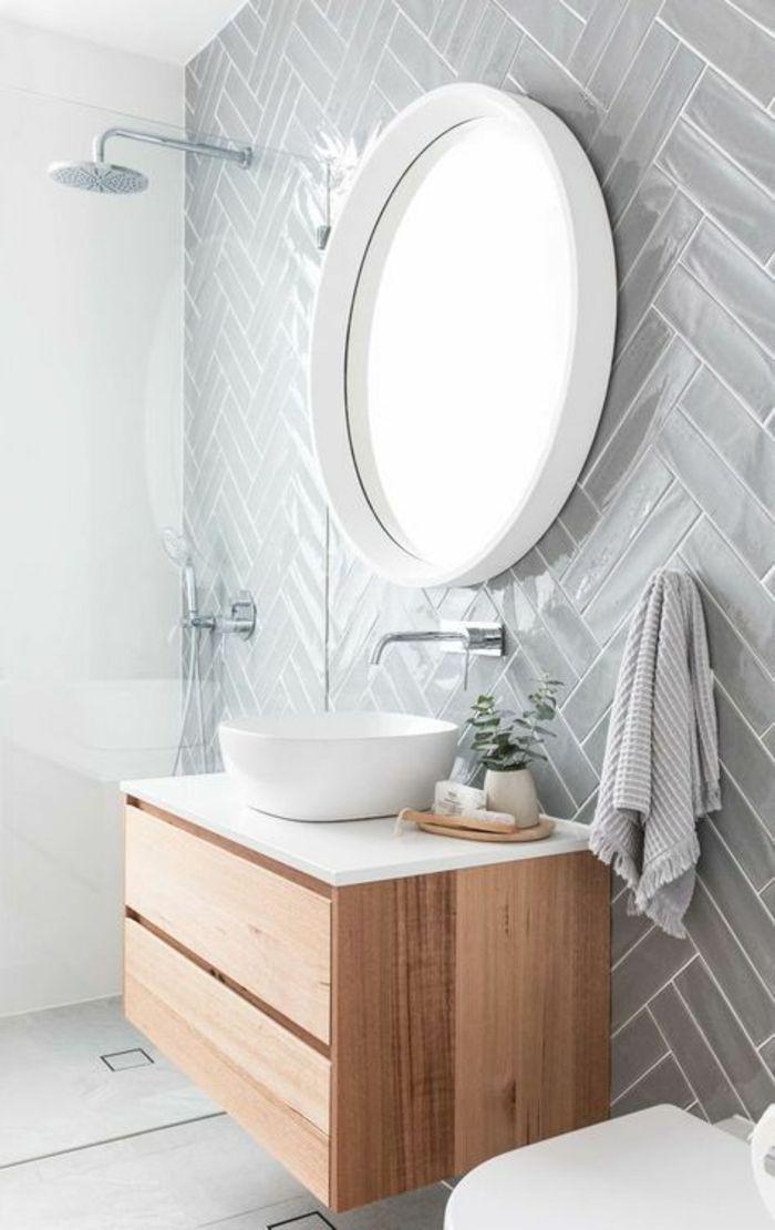 Idée décoration Salle de bain - salle de bain 4m2, murs en couleur ...