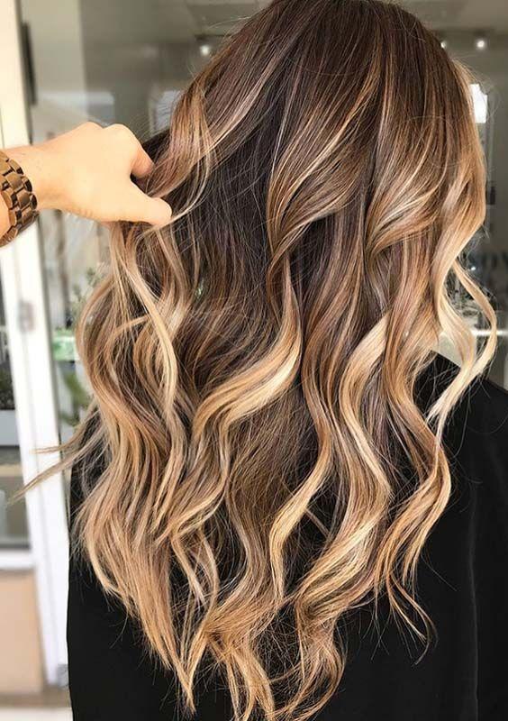 Coupe et couleur sur cheveux long