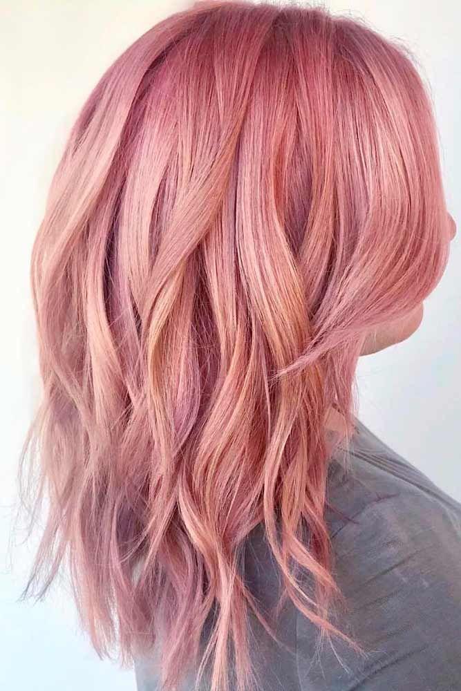 Cheveux mi long rose