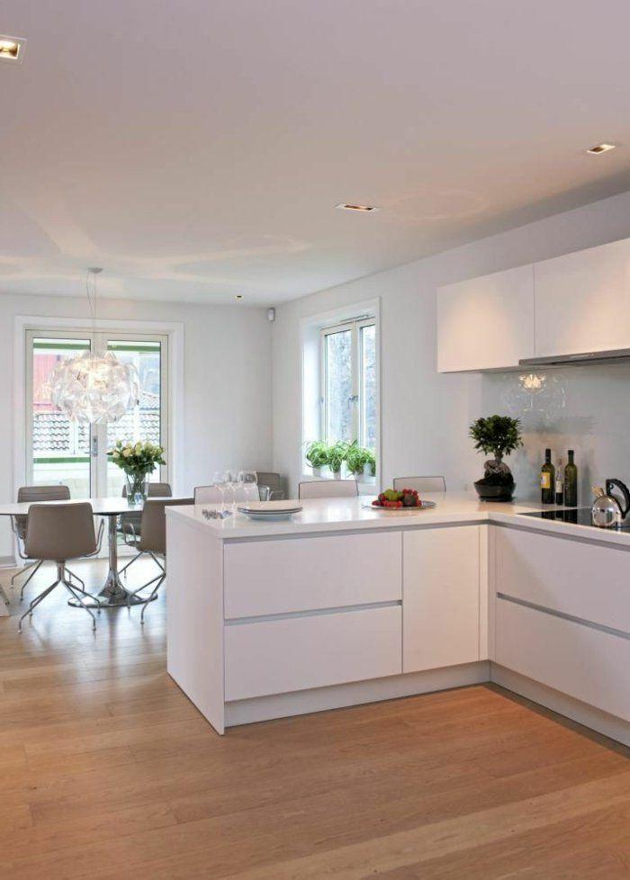 Une jolie cuisine laqu e blanche avec sol en parquet clair leading - Cuisine avec sol parquet ...